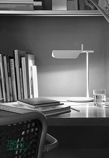 Tab T Flos Portugal LED Traço de Luz Iluminação Porto