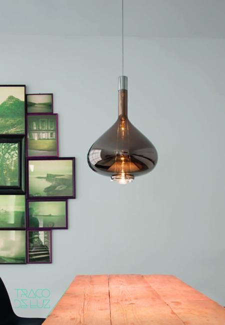 Skyfall é um candeeiro de suspensão vidro soprado brilhante da Studio Italia Design.