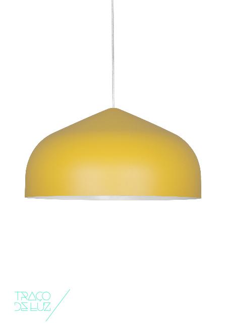 Odile S é um candeeiro de suspensão moderno e colorido com design de Paolo Cappelo. Combinando simplicidade e elegância Odile está disponível em 4 cores distintas: cinzento antracite, branco, amarelo e verde sage. Odile S faz parte de uma família de candeeiros, do qual também existe o modelo Odile M e que pode ser combinado em conjuntos de 3 ou 5 candeeiros de suspensão.