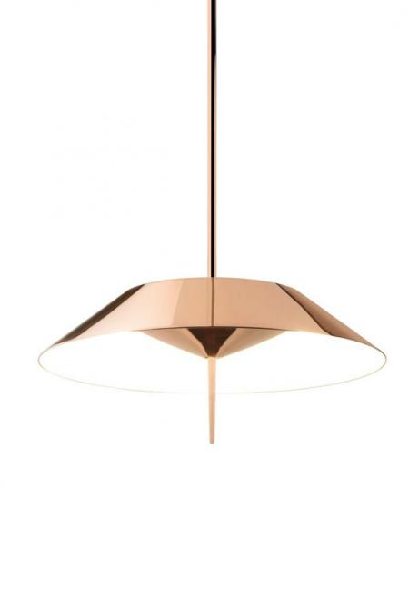 Mayfair Cobreado é um candeeiro de desenho clássico e luxuoso com LED da Vibia.