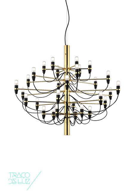 2097/30 dourado, candeeiro de teto da marca Flos, na Traço de Luz iluminação, Portugal