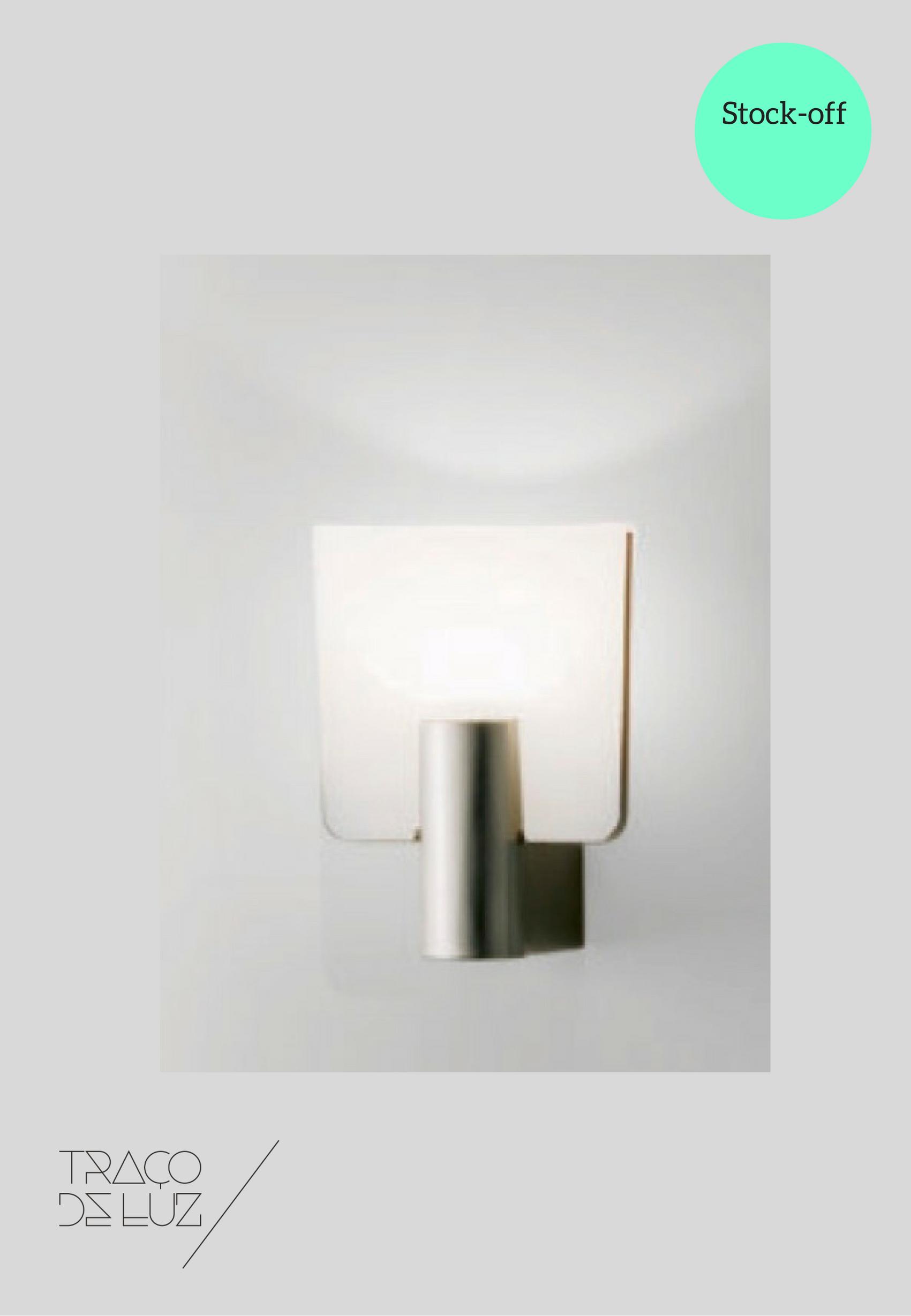 Micron W1 branco, aplique de parededa marca Prandina, na Traço de Luz iluminação, Portugal