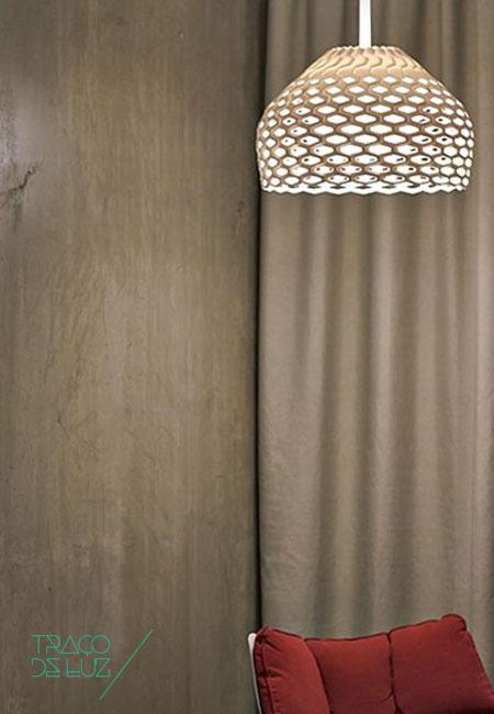 Tatou S2 branco, candeeiro de teto da marca Flos, na Traço de Luz iluminação, Portugal
