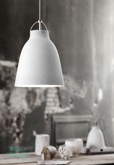 Caravaggio P2 é um candeeiro de suspensão com design de Cecile Manz, da conceituada marca de design Escandinavo/Nórdico Light Years. Caravaggio P2 de cor branca mate e com cabo branco de 3 m de comprimento, é um candeeiro simples e elegante. Dimensões ø 25,8 x 33,7 cm abat-jour Cor branco mate Suporte E27 Lâmpada não incluída. Prazo de entrega 2 a 3 semanas; 4 exemplares disponível para entrega em 3 a 5 dias úteis +info