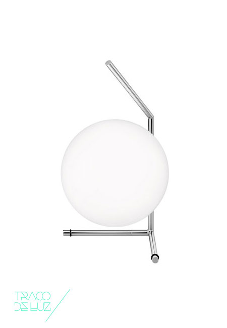 IC T1 Low is a table lamp that explores the notion of balance with design by Michael Anastassiades. Providing diffused light with a blown glass opal diffuser. Dimmer on the power chord. Dimensions ø 20 x 38,1 cm Colour Chrome Support E27 Bulb not included Delivery Time 2-3 weeks