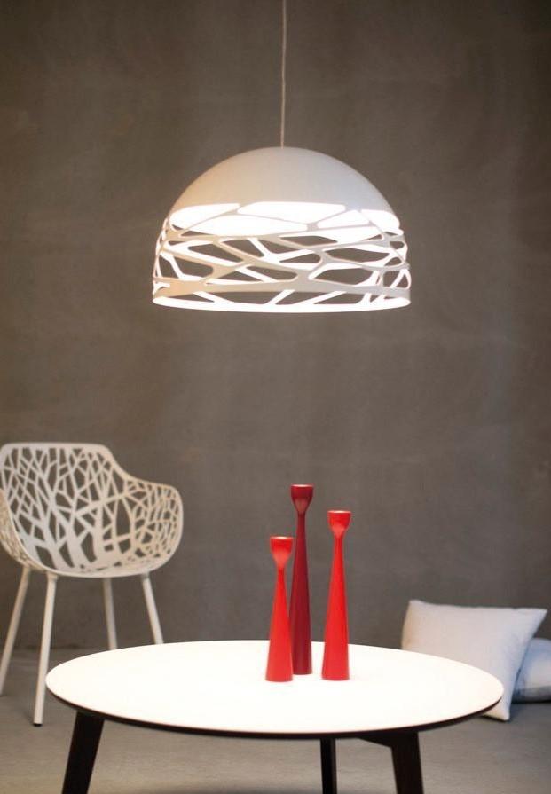 Kelly Dome 50 branco, candeeiro de suspensão de metal da Lodes, da marca Lodes, na Traço de Luz iluminação, Portugal