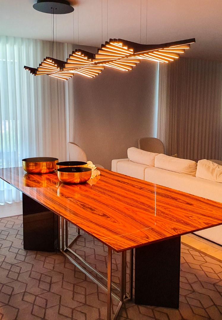 Projeto de iluminação Traço de Luz_Mesa de jantar numa moradia particular em Braga